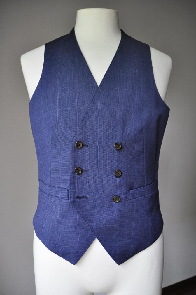DSC22281 お客様のスーツの紹介- BIELLESI ネイビーチェックスリーピース-