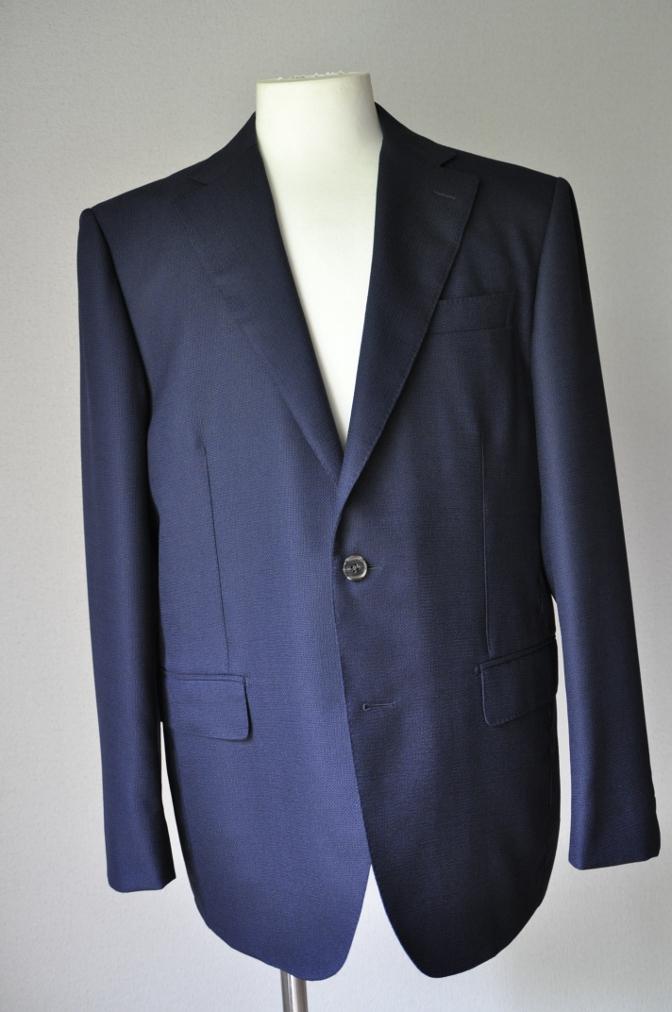 DSC22341 お客様のスーツの紹介-CANONICO ネイビーホップサックジャケット-