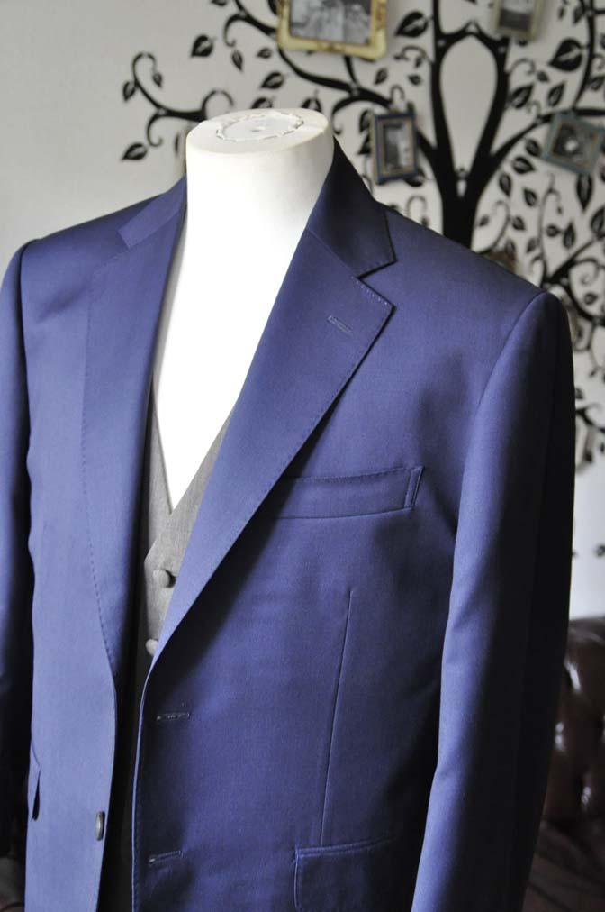 DSC2259-1 お客様のウエディング衣装の紹介- Biellesi無地ネイビースーツ グレーベスト-DSC2259-1 お客様のウエディング衣装の紹介- Biellesi無地ネイビースーツ グレーベスト- 名古屋市のオーダータキシードはSTAIRSへ