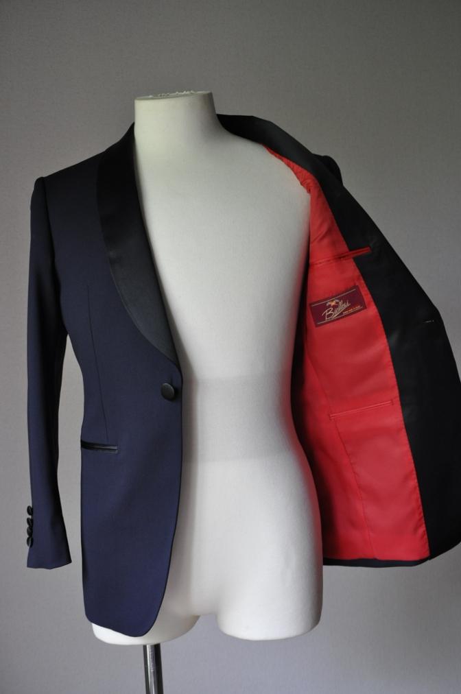 DSC2271 お客様のウエディング衣装の紹介-BIELLESI ネイビータキシードジャケット チェックパンツ- 名古屋の完全予約制オーダースーツ専門店DEFFERT