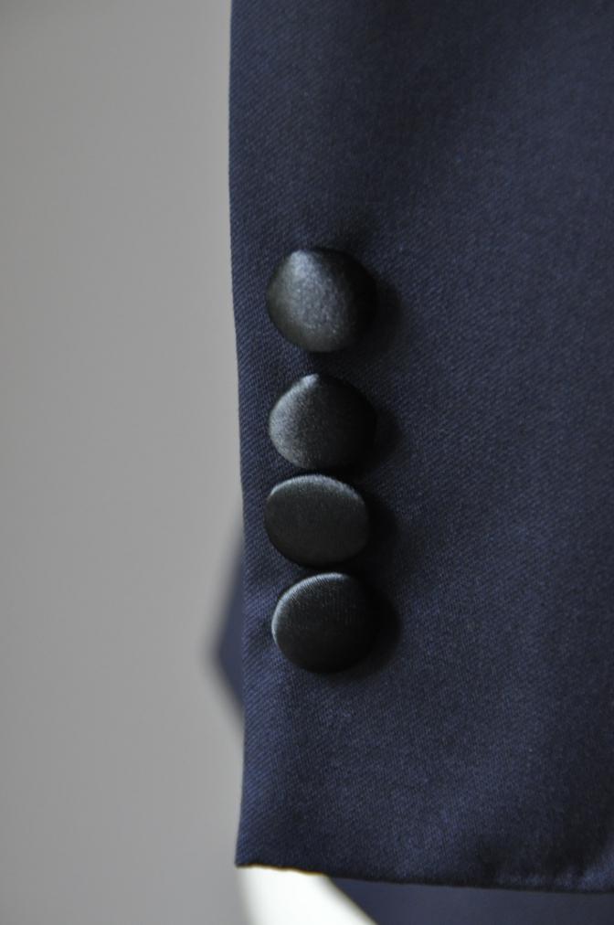 DSC2281 お客様のウエディング衣装の紹介-BIELLESI ネイビータキシードジャケット チェックパンツ- 名古屋の完全予約制オーダースーツ専門店DEFFERT