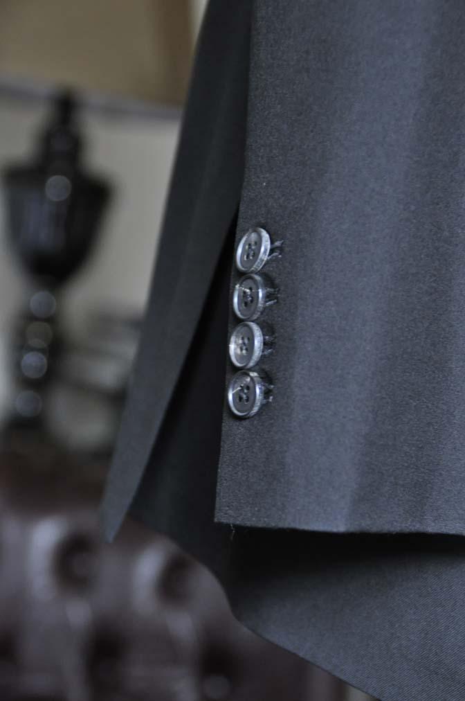 DSC2282-1 お客様のスーツの紹介-ブラックスーツ-
