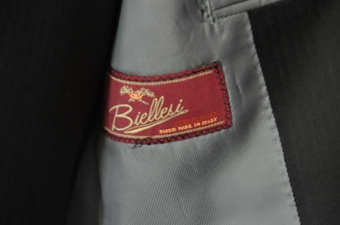 DSC2284 お客様のスーツの紹介- Biellesi ブラックスリーピース-