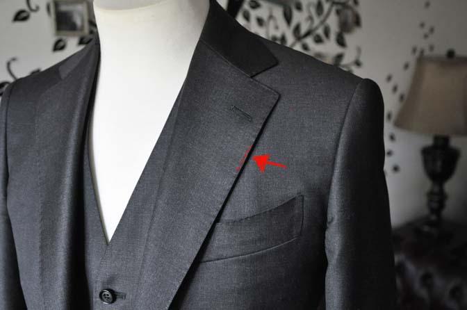DSC2286-1 スーツのパーツ名称「AMFステッチ」