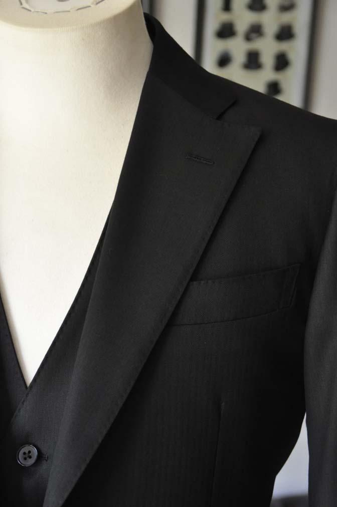 DSC2286 お客様のスーツの紹介- Biellesi ブラックスリーピース-