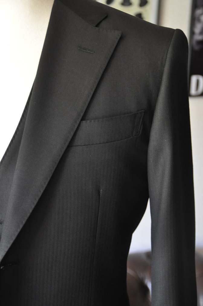 DSC2287 お客様のスーツの紹介- Biellesi ブラックスリーピース-