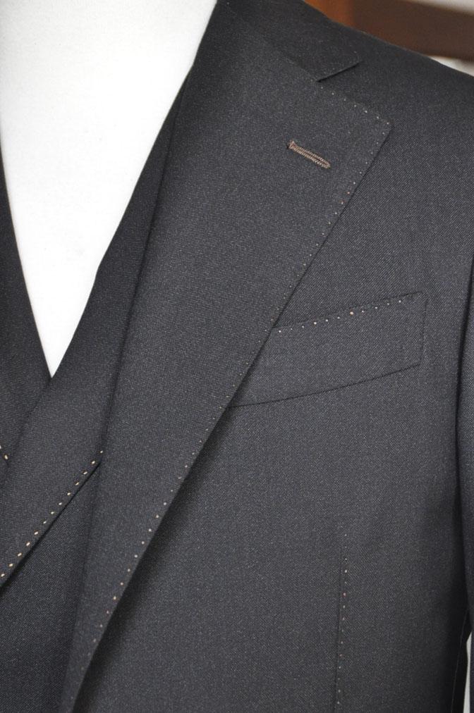 DSC22931 スーツの紹介-LoroPiana 無地ダークブラウン ダブルジレスリーピース -