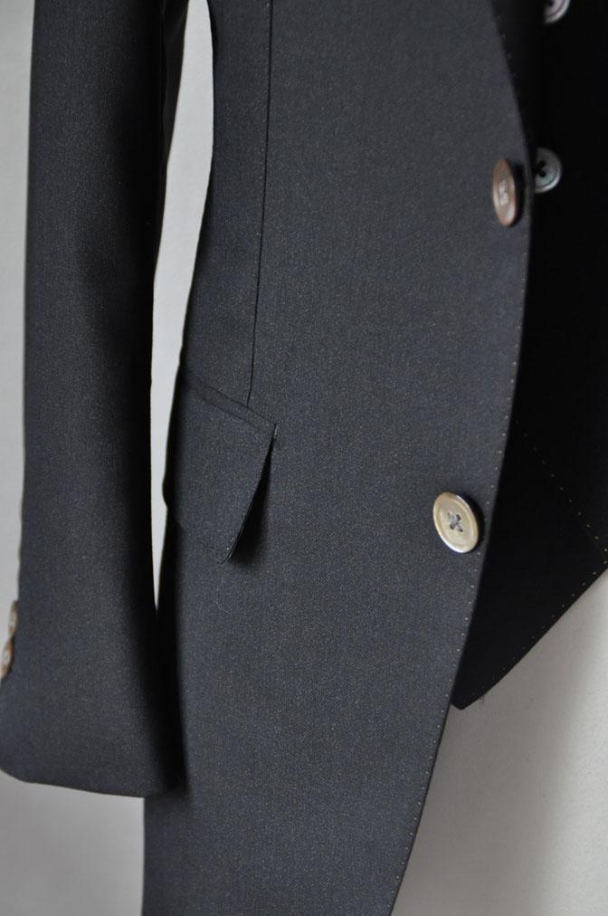 DSC22991 スーツの紹介-LoroPiana 無地ダークブラウン ダブルジレスリーピース -
