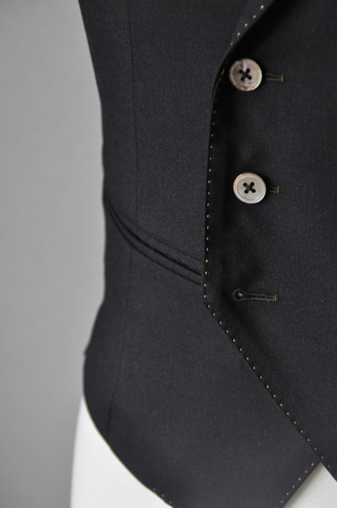 DSC23202 スーツの紹介-LoroPiana 無地ダークブラウン ダブルジレスリーピース -