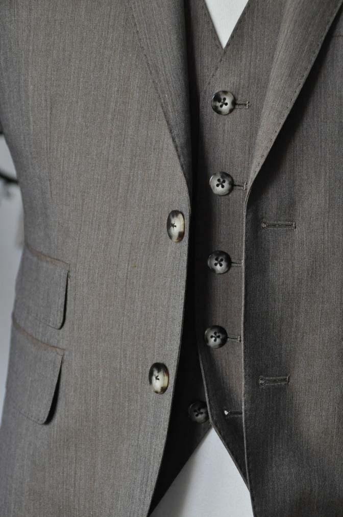 DSC2335-1 お客様のスーツの紹介-御幸毛織 無地ブラウンスリーピース-DSC2335-1 お客様のスーツの紹介-御幸毛織 無地ブラウンスリーピース- 名古屋市のオーダータキシードはSTAIRSへ