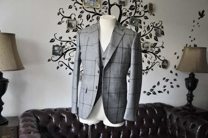 DSC2346-1 お客様のジャケット/ベストの紹介-DARROW DALEグレーウィンドペン-DSC2346-1 お客様のジャケット/ベストの紹介-DARROW DALEグレーウィンドペン- 名古屋市のオーダータキシードはSTAIRSへ