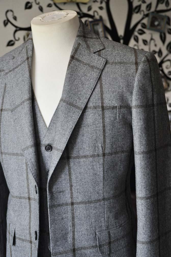DSC2350-1 お客様のジャケット/ベストの紹介-DARROW DALEグレーウィンドペン-DSC2350-1 お客様のジャケット/ベストの紹介-DARROW DALEグレーウィンドペン- 名古屋市のオーダータキシードはSTAIRSへ