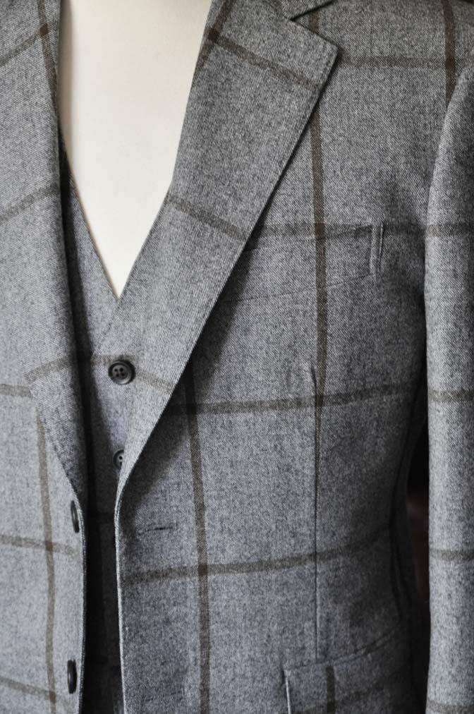 DSC2352 お客様のジャケット/ベストの紹介-DARROW DALEグレーウィンドペン-DSC2352 お客様のジャケット/ベストの紹介-DARROW DALEグレーウィンドペン- 名古屋市のオーダータキシードはSTAIRSへ