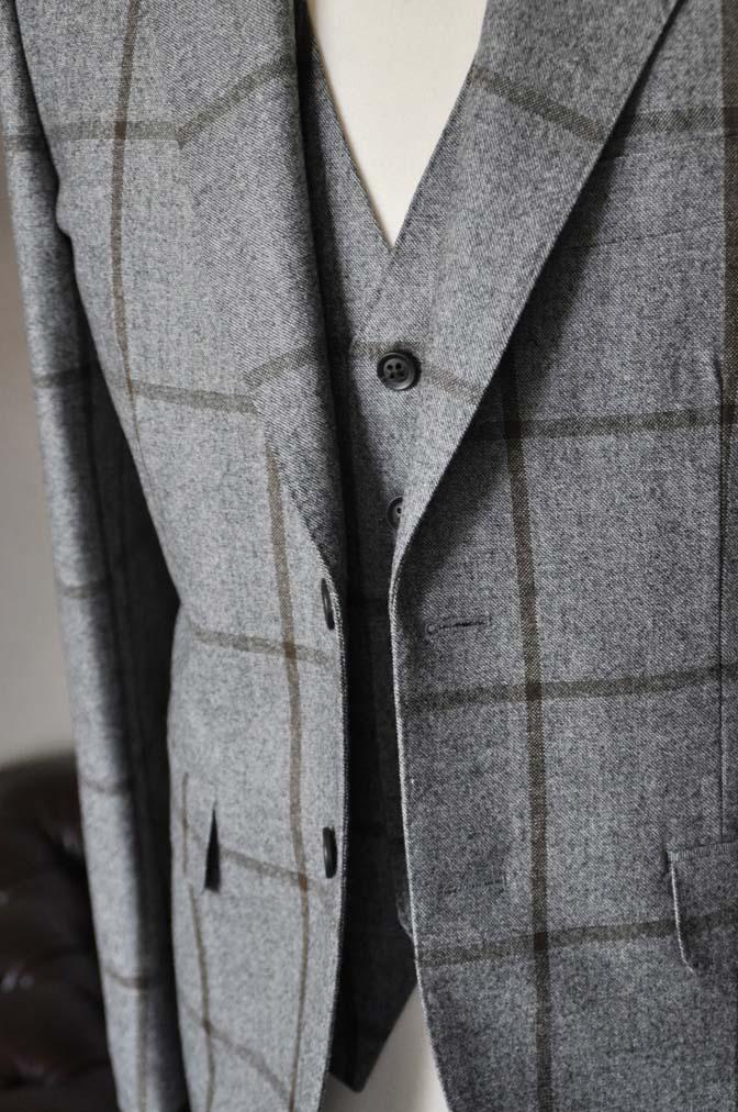 DSC2353-2 お客様のジャケット/ベストの紹介-DARROW DALEグレーウィンドペン-DSC2353-2 お客様のジャケット/ベストの紹介-DARROW DALEグレーウィンドペン- 名古屋市のオーダータキシードはSTAIRSへ
