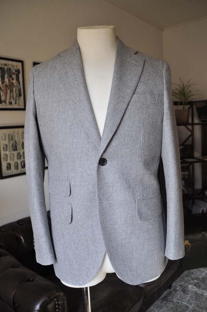 DSC2354-1 お客様のスーツの紹介- Canonico ライトグレーフランネルスーツ-