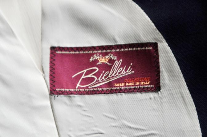 DSC23701 お客様のウエディング衣装の紹介-BIELLESI ネイビースーツ チェックベスト- 名古屋の完全予約制オーダースーツ専門店DEFFERT