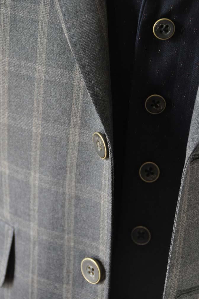 DSC2378 お客様のウエディング衣装の紹介- REDAブラウンチェック ネイビーベスト-DSC2378 お客様のウエディング衣装の紹介- REDAブラウンチェック ネイビーベスト- 名古屋市のオーダータキシードはSTAIRSへ