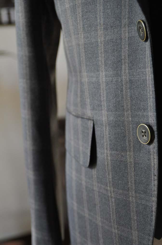 DSC23791 お客様のウエディング衣装の紹介- REDAブラウンチェック ネイビーベスト-DSC23791 お客様のウエディング衣装の紹介- REDAブラウンチェック ネイビーベスト- 名古屋市のオーダータキシードはSTAIRSへ