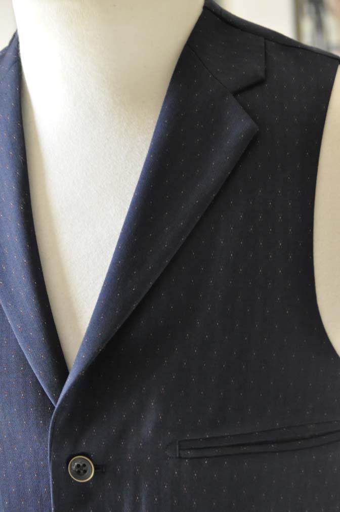 DSC23821 お客様のウエディング衣装の紹介- REDAブラウンチェック ネイビーベスト-DSC23821 お客様のウエディング衣装の紹介- REDAブラウンチェック ネイビーベスト- 名古屋市のオーダータキシードはSTAIRSへ