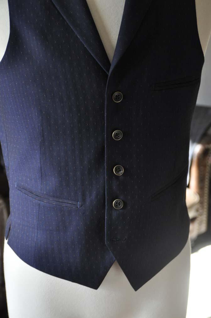 DSC23851 お客様のウエディング衣装の紹介- REDAブラウンチェック ネイビーベスト-DSC23851 お客様のウエディング衣装の紹介- REDAブラウンチェック ネイビーベスト- 名古屋市のオーダータキシードはSTAIRSへ
