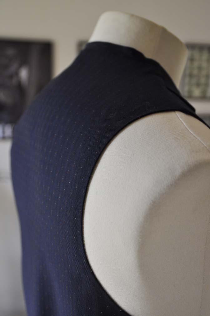 DSC23871 お客様のウエディング衣装の紹介- REDAブラウンチェック ネイビーベスト-DSC23871 お客様のウエディング衣装の紹介- REDAブラウンチェック ネイビーベスト- 名古屋市のオーダータキシードはSTAIRSへ