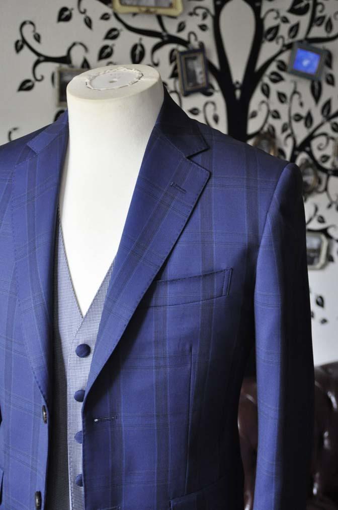 DSC2395-1 お客様のウエディング衣装の紹介- CANOICOネイビーチェックジャケット ライトブルー千鳥格子ベスト- 名古屋の完全予約制オーダースーツ専門店DEFFERT