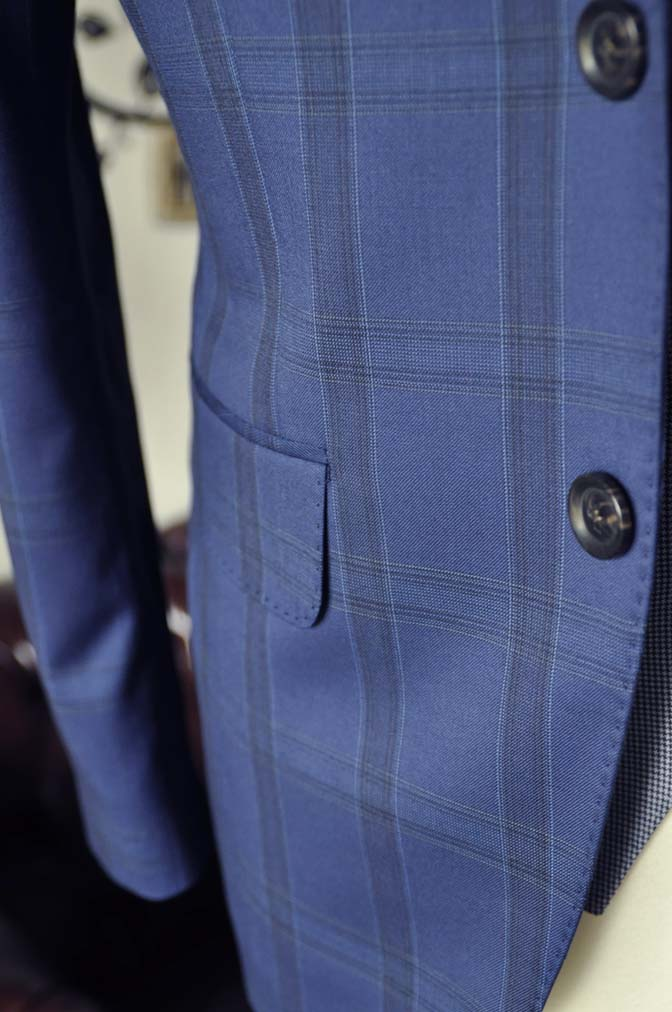 DSC2400-1 お客様のウエディング衣装の紹介- CANOICOネイビーチェックジャケット ライトブルー千鳥格子ベスト- 名古屋の完全予約制オーダースーツ専門店DEFFERT