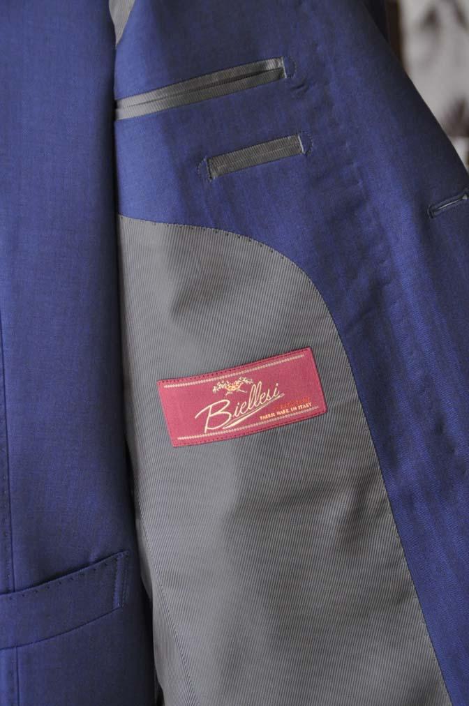 DSC24192 お客様のスーツの紹介- Biellesi ネイビーヘリンボーンスリーピース-