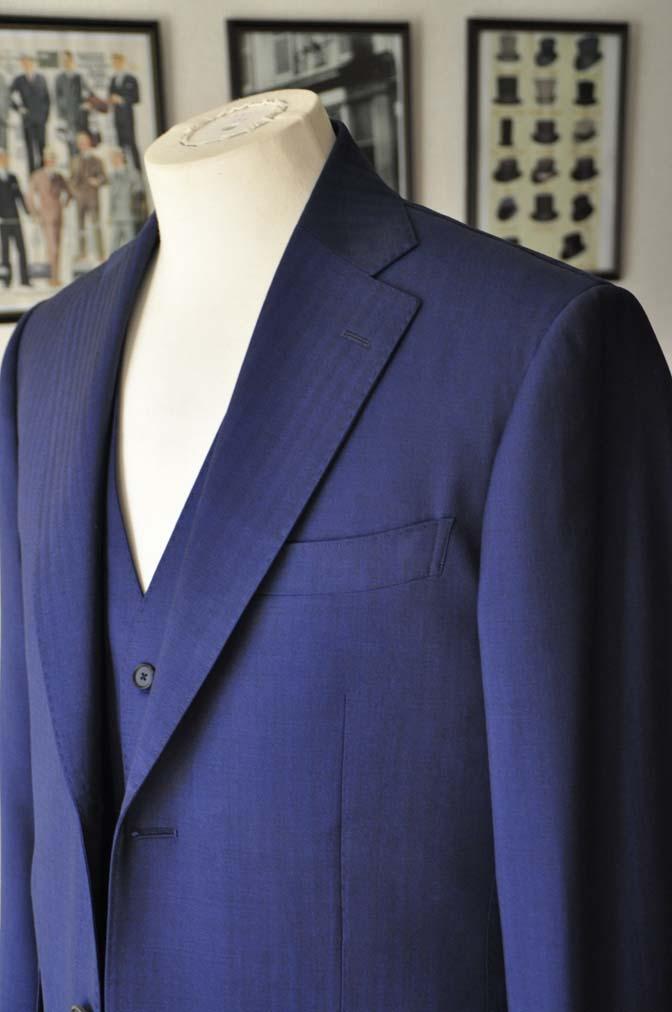 DSC24212 お客様のスーツの紹介- Biellesi ネイビーヘリンボーンスリーピース-