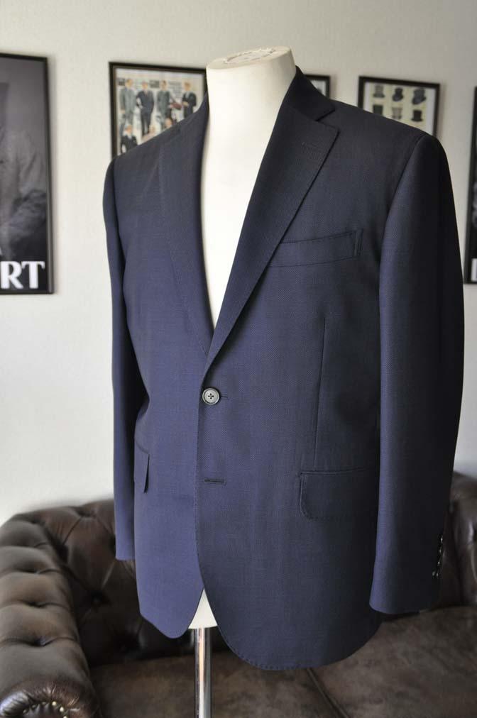 DSC2436 お客様のスーツの紹介- Canonico ネイビースーツ-