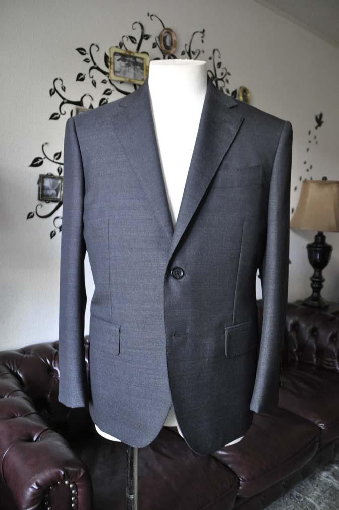 DSC2437-1 お客様のスーツの紹介-CANONICO グレースーツ-