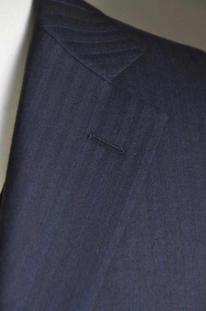 DSC2440 お客様のスーツの紹介-御幸毛織 ナポレナ ネイビーストライプ スリーピース-