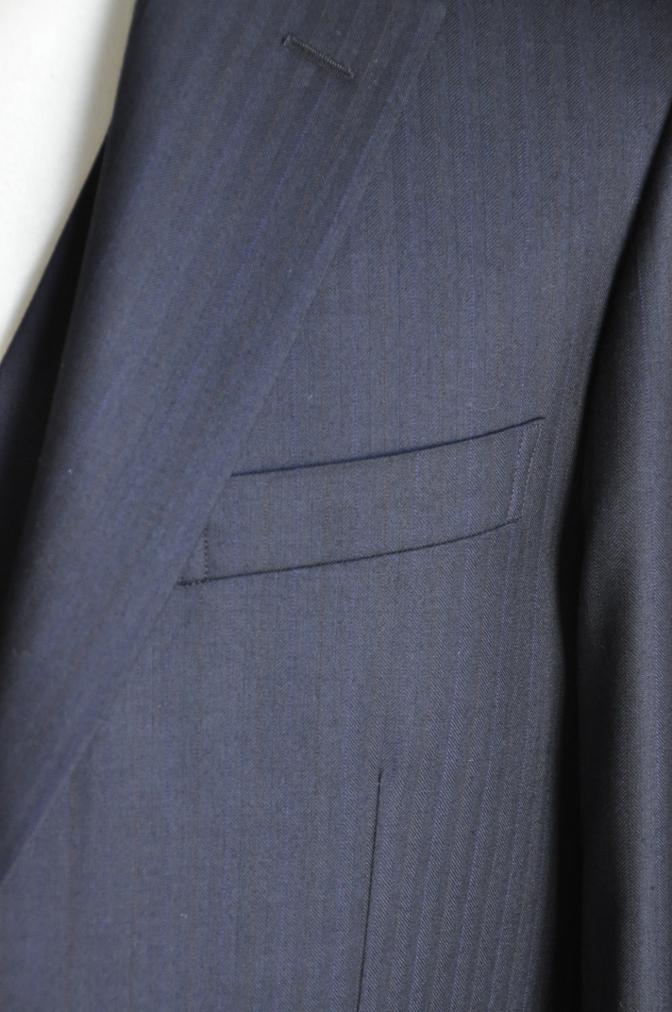 DSC2441 お客様のスーツの紹介-御幸毛織 ナポレナ ネイビーストライプ スリーピース-