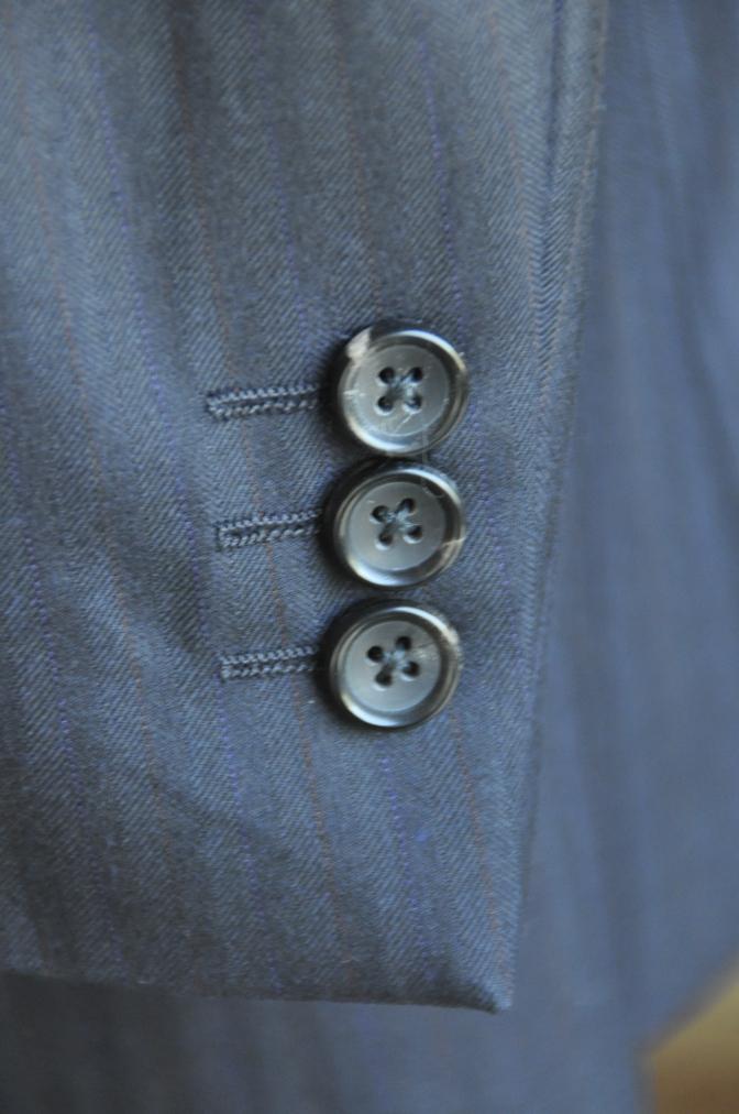 DSC2445 お客様のスーツの紹介-御幸毛織 ナポレナ ネイビーストライプ スリーピース-