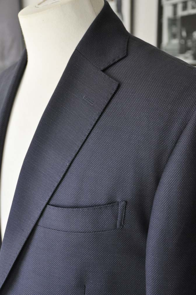 DSC2447 お客様のウエディング衣装の紹介- Biellesi ネイビーヘリンボーンスーツ グレーグレンチェックベスト- 名古屋の完全予約制オーダースーツ専門店DEFFERT
