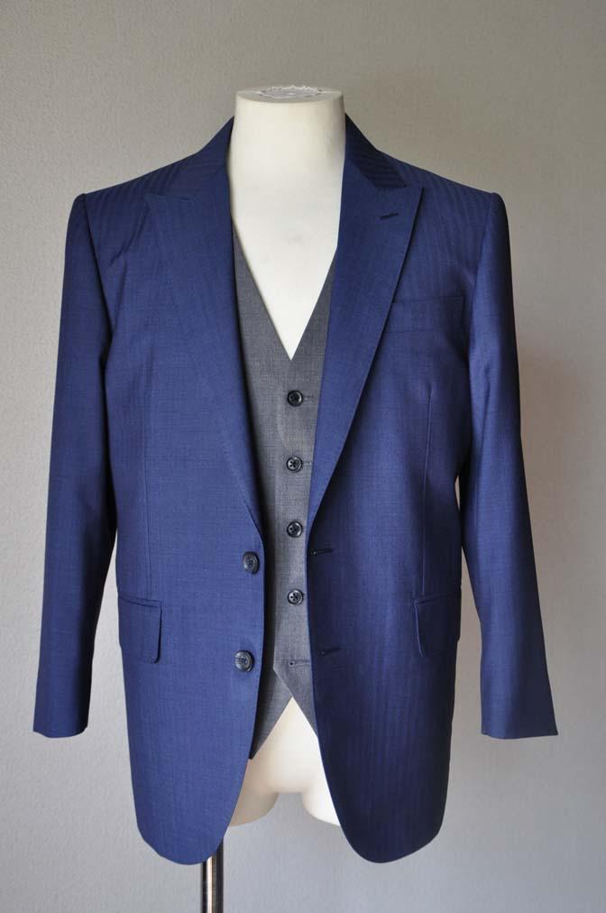DSC2455 お客様のウエディング衣装の紹介-Biellesi ネイビースーツ グレーベスト- 名古屋の完全予約制オーダースーツ専門店DEFFERT