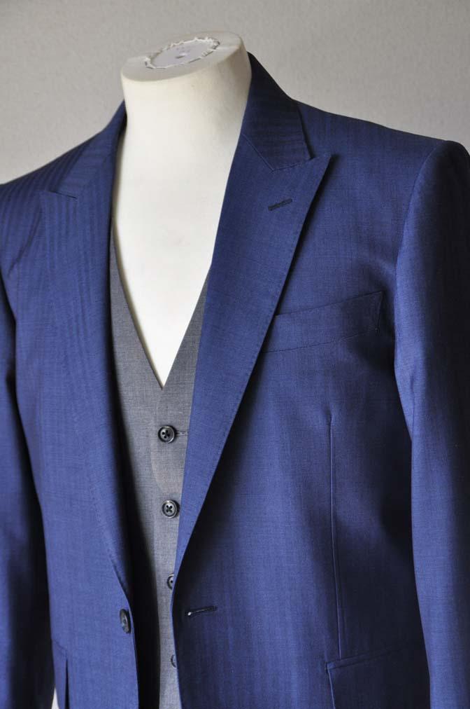 DSC2456 お客様のウエディング衣装の紹介-Biellesi ネイビースーツ グレーベスト- 名古屋の完全予約制オーダースーツ専門店DEFFERT