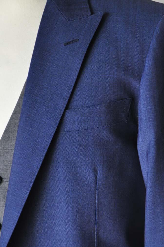 DSC24571 お客様のウエディング衣装の紹介-Biellesi ネイビースーツ グレーベスト- 名古屋の完全予約制オーダースーツ専門店DEFFERT