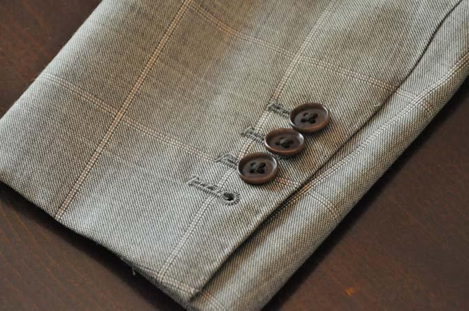 DSC2458-1 スーツのパーツ名称「本切羽(ホンセッパ)」 名古屋の完全予約制オーダースーツ専門店DEFFERT