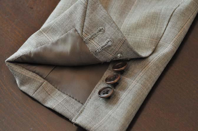 DSC2459-1 スーツのパーツ名称「本切羽(ホンセッパ)」 名古屋の完全予約制オーダースーツ専門店DEFFERT