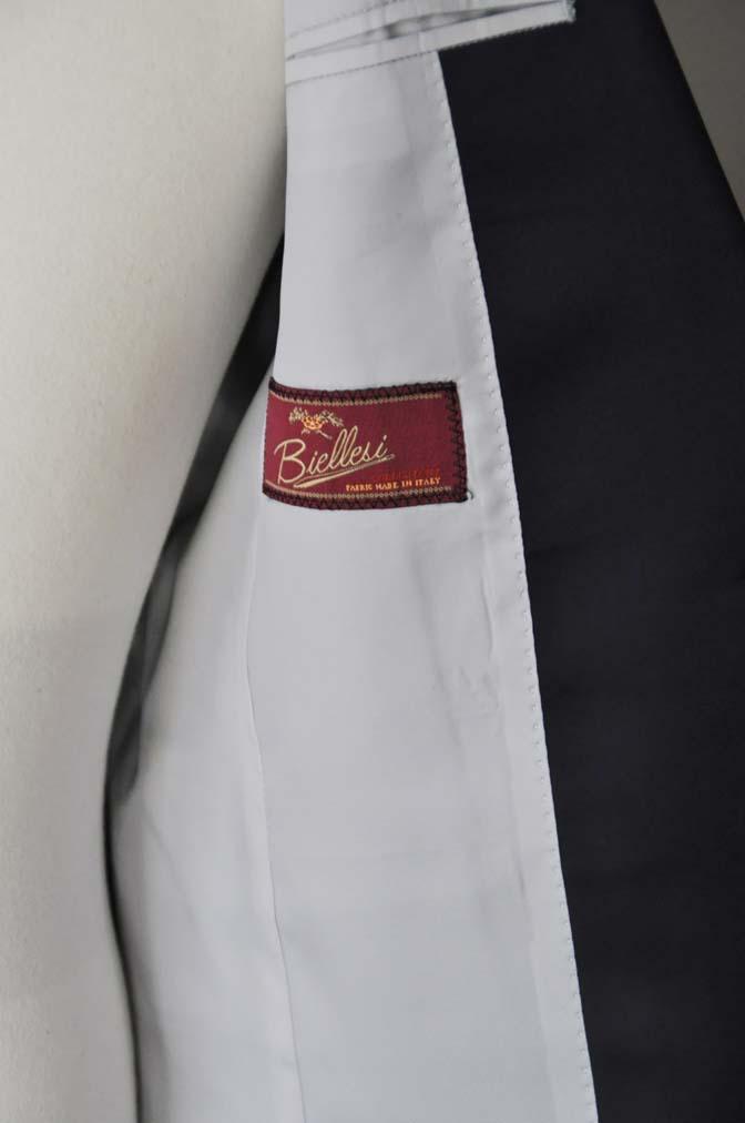 DSC24592 お客様のウエディング衣装の紹介- Biellesi ネイビーヘリンボーン ショールカラータキシード-DSC24592 お客様のウエディング衣装の紹介- Biellesi ネイビーヘリンボーン ショールカラータキシード- 名古屋市のオーダータキシードはSTAIRSへ