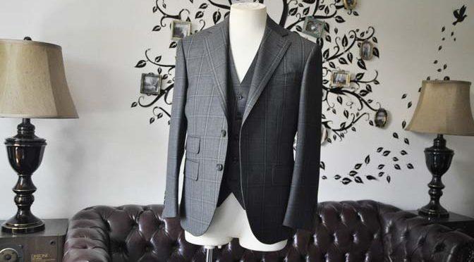 お客様のスーツの紹介-Biellesiグレーチェックスリーピース-