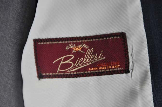 DSC24641 お客様のウエディング衣装の紹介-Biellesi ネイビースーツ グレーベスト- 名古屋の完全予約制オーダースーツ専門店DEFFERT