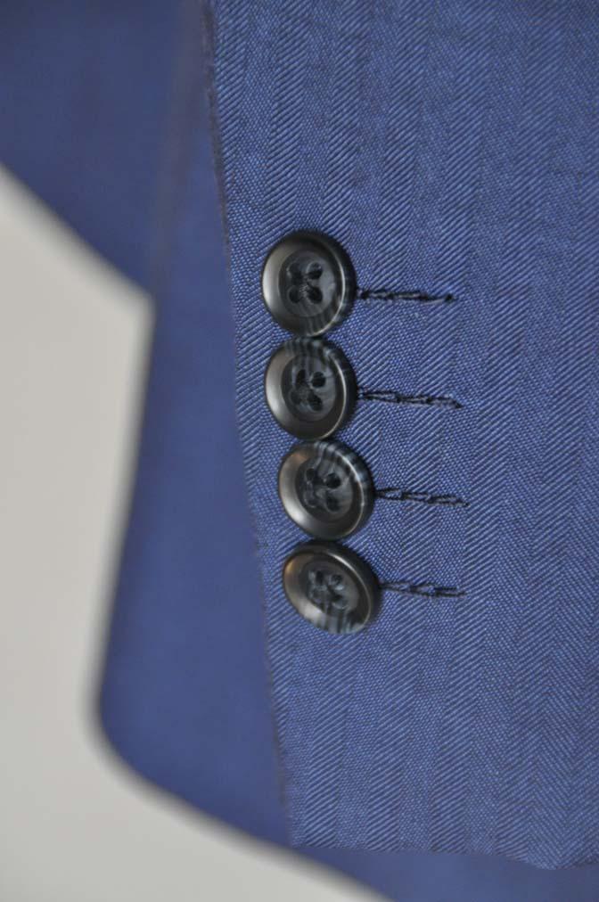 DSC24653 お客様のウエディング衣装の紹介-Biellesi ネイビースーツ グレーベスト- 名古屋の完全予約制オーダースーツ専門店DEFFERT