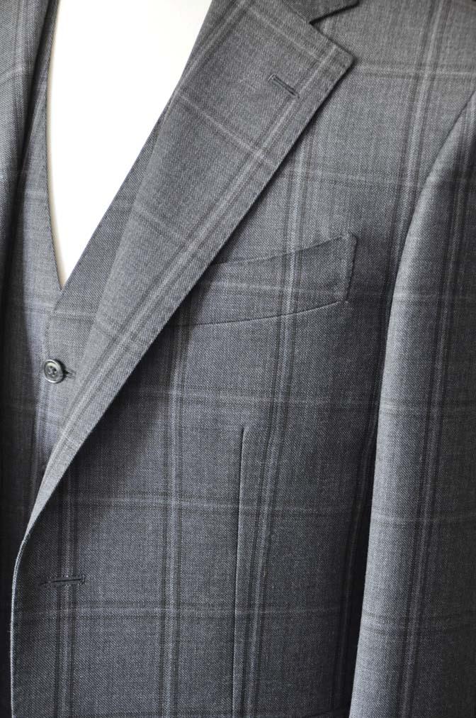 DSC2467-1 お客様のスーツの紹介-Biellesiグレーチェックスリーピース-