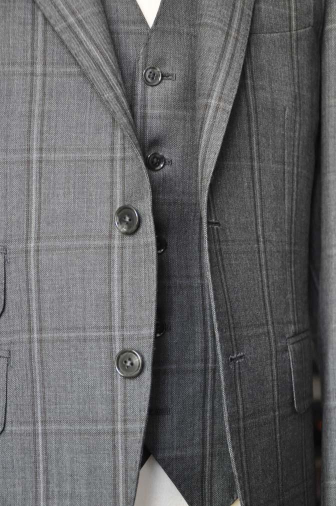 DSC2469-1 お客様のスーツの紹介-Biellesiグレーチェックスリーピース-
