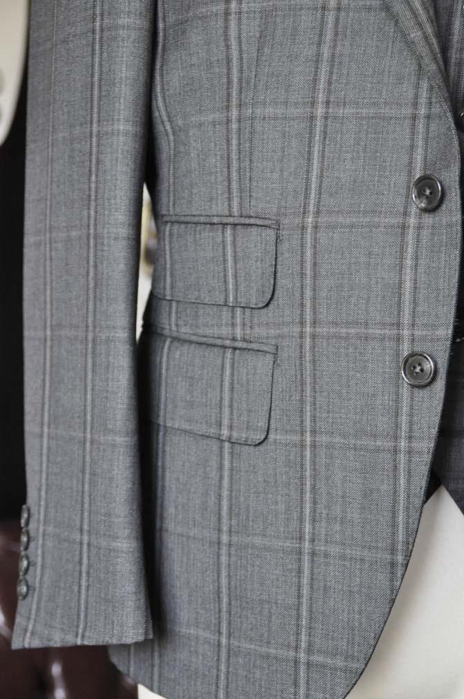 DSC2470-1 お客様のスーツの紹介-Biellesiグレーチェックスリーピース-