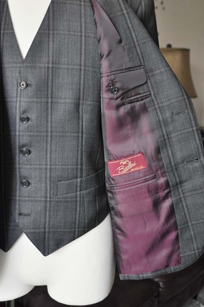 DSC2472-1 お客様のスーツの紹介-Biellesiグレーチェックスリーピース-