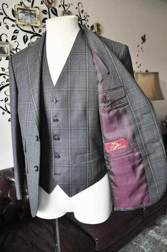 DSC2473-1 お客様のスーツの紹介-Biellesiグレーチェックスリーピース-