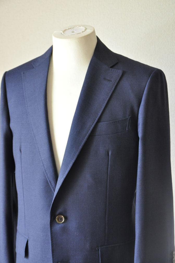 DSC24731 お客様のスーツの紹介-御幸毛織ネイビーチェックスーツ-
